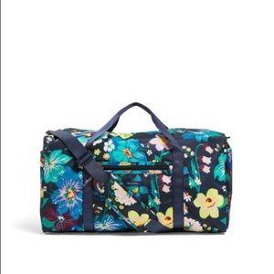 Vera Bradley lighten up large duffle bag